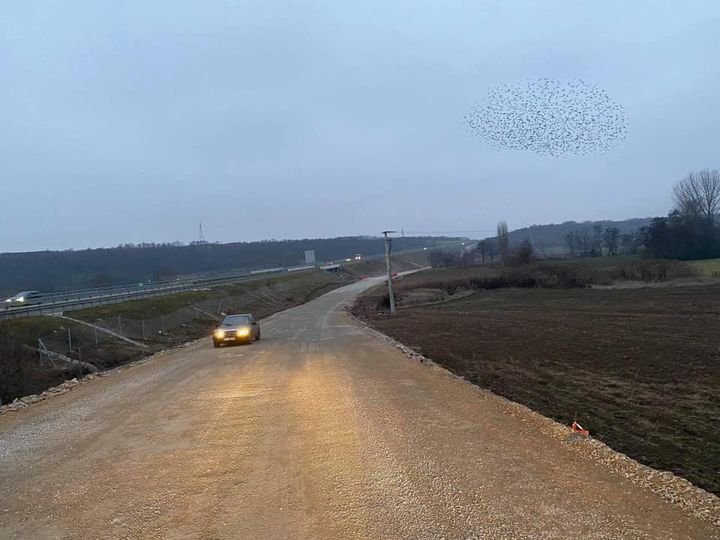 Si pasojë e ngarkesës në komunikacion, Muharremaj njofton se mund të shfrytëzohet rruga unazore Reshtan-Shirokë