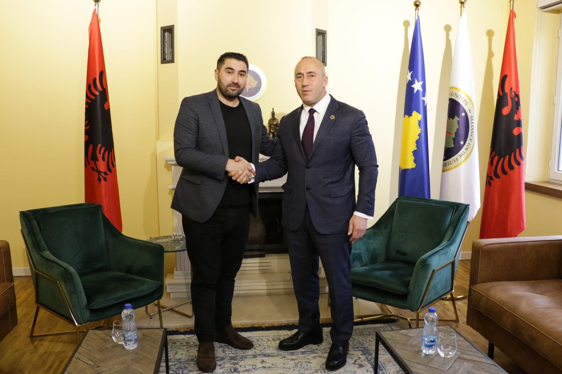 Haradinaj prezanton edhe dy kandidatë të rinj nga Suhareka, Mensur Selimaj dhe Albana Bytyqi