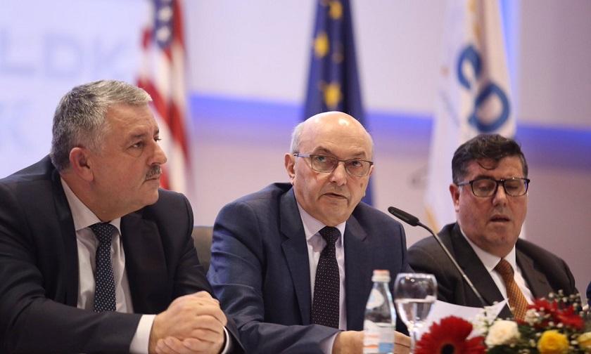 Rugova për Mustafën dhe Hazirin: Nuk do të ndalen derisa ta sjellin LDK-në në 4.9%