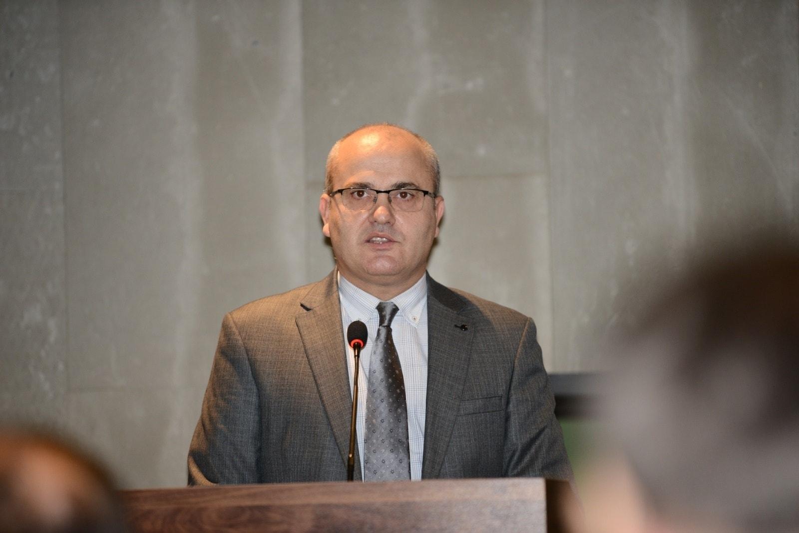 """Haxhi Avdyli: Në LDK duhet të kenë guxim t'i thonë Isa Mustafës """"Mjaft më"""""""