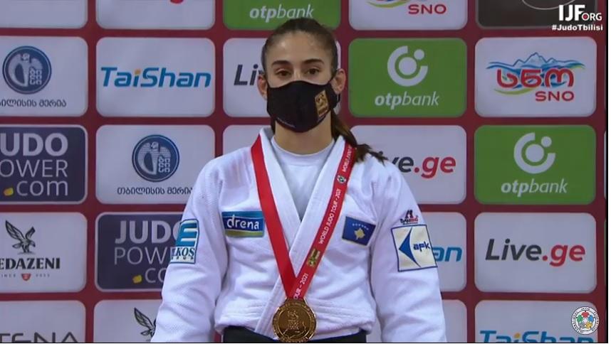 Nora Gjakova, fiton medaljen e artë në Grand Slamin e Tbilisit