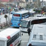Suharekë, ishin shtrirë në rrugë për të mos lejuar nisjen e autobusit, një muaj paraburgim për dy persona