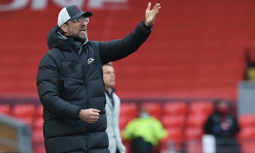 Klopp i fajëson sulmuesit për humbjet radhazi të Liverpoolit