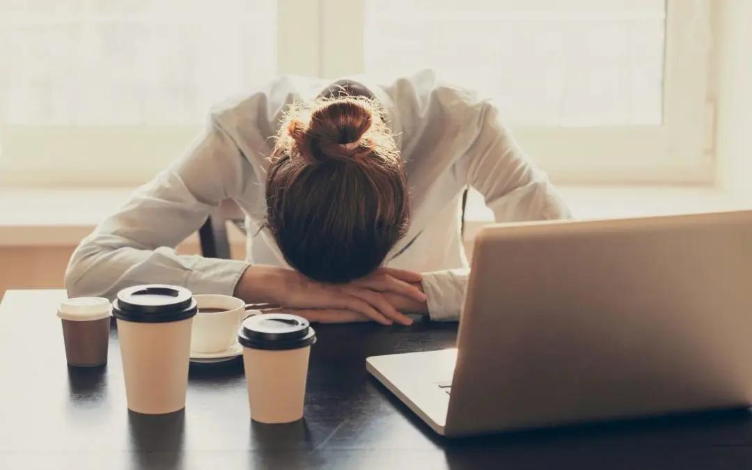 Çfarë ndodh me organizmin kur vuajmë nga lodhja kronike