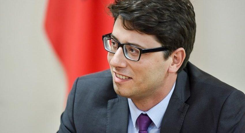Ministri Murati publikon listën e 50 bizneseve që përfituan më së shumti nga Pakoja e Rimëkëmbjes