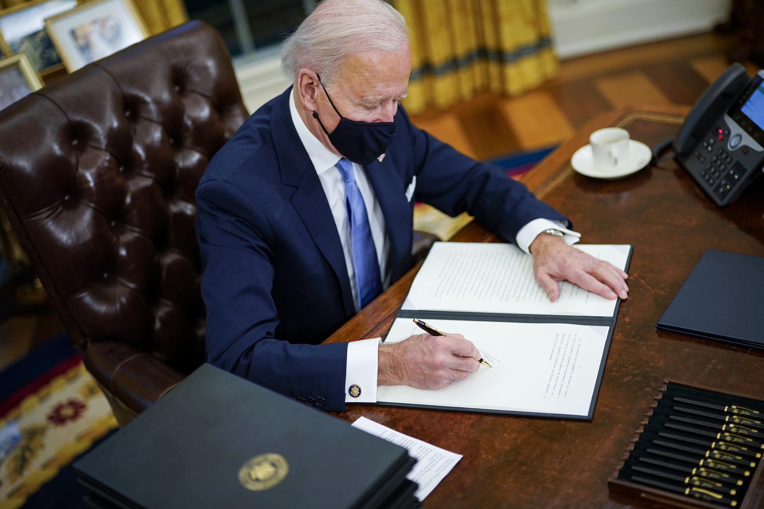 Biden i shkruan Osmanit: SHBA-të do të ndihmojnë Kosovën me vaksina antiCOVID