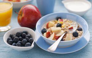 Hani ushqim herët dhe parandaloni diabetin