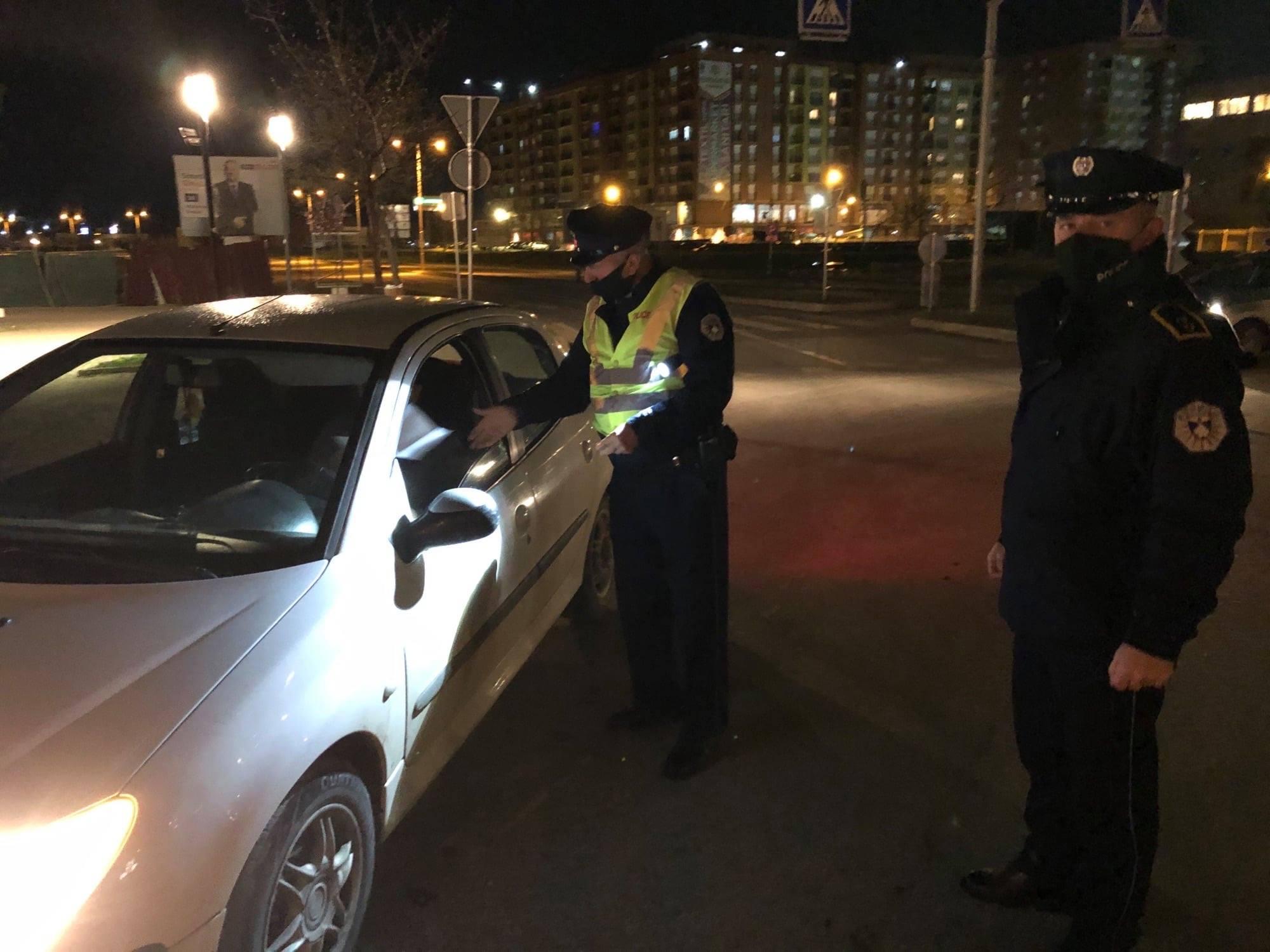 Të premten policia ka dënuar mbi 700 qytetarë në bazë të ligjit anti-COVID
