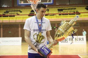 Historia shkruhet në Suharekë, Ylli kampion i Kosovës