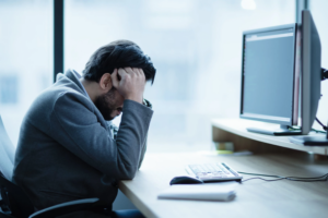 Çdo dhimbje koke sinjalizon një problem shëndetësor – çfarë duhet të dini