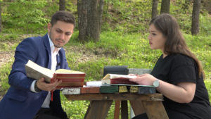 """Suhareka ndër vite, flet bashkëautori i leksikonit """"Vendbanimet e Kosovës"""" Faton Morina"""