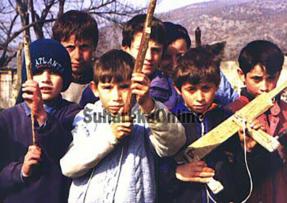 1998, gjendja në Suharekë dhe dëshmi të granatimeve serbe