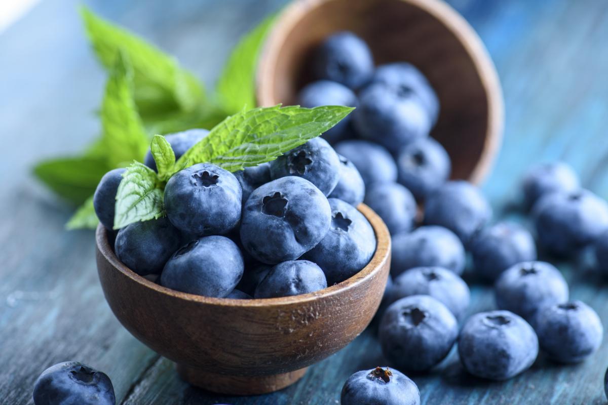 Disa fruta më të rëndësishme të verës për rënien nga pesha
