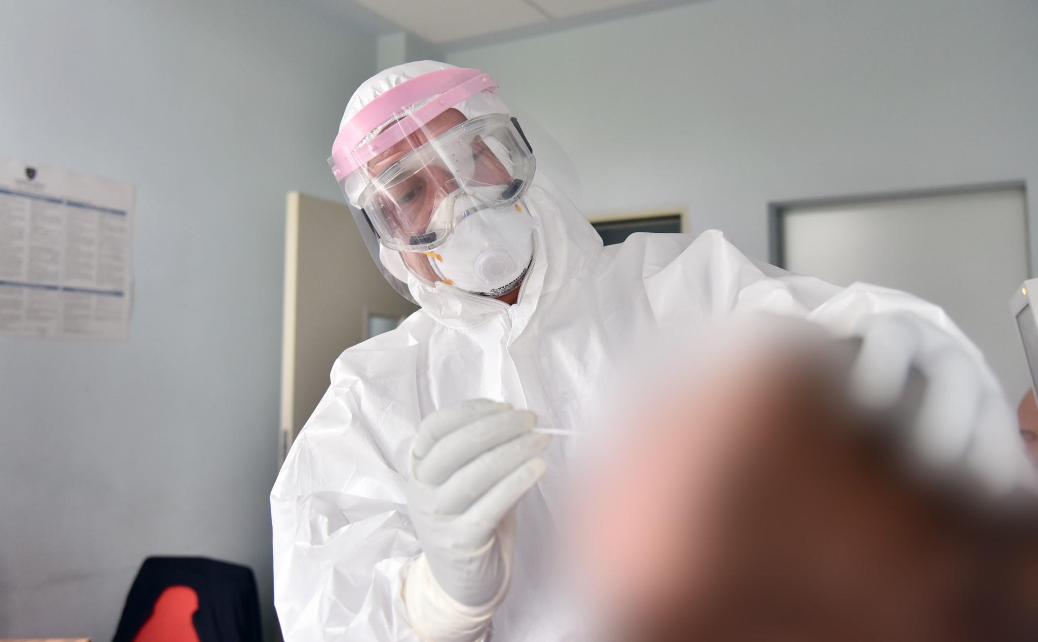 122 pacientë në trajtim nga COVID-19 në spitalet e Kosovës