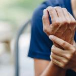 Si të lehtësoni dhimbjet e kockave dhe kyçeve